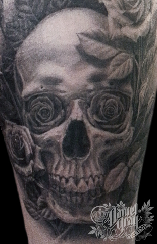 Skull and Roses, tattoo by Daniel Gray
